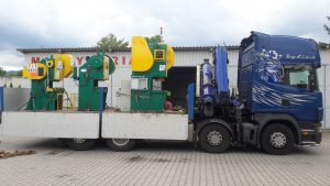 Transport trzech pras mimośrodowych na samochodzie ciężarowym HDS 13t : KD 2124E 25t, LENP 40 A, PMS 63t.